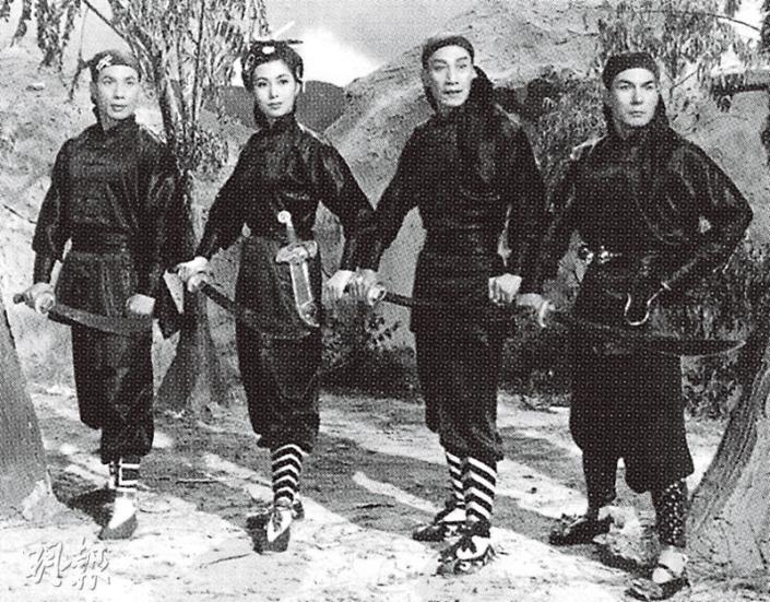 左起:石堅、于素秋、關德興、曹達華